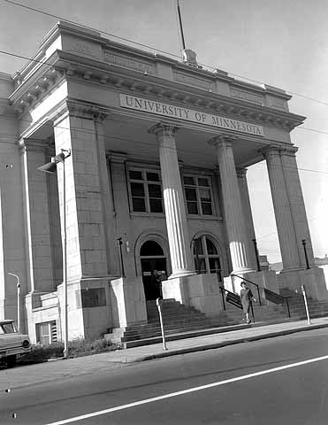By 1963 the University of Minnesota Extension Center resided within 192 West 9th Street. Photo courtesy Minnesota Historical Society
